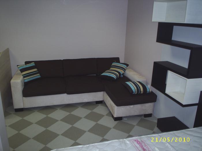 Компактни дивани за ваканционно обзавеждане