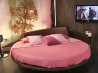 Дизайнерски спални кръгли вносител