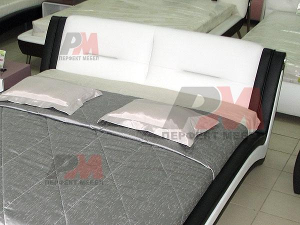 Удобни дизайнерски тапицирани спални